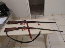 As duas armas foram encontradas no interior da caminhonete. Foto: Divulgação/ Polícia Civil