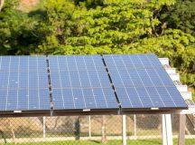 Placas de captação de energia solar. Foto: Soninha Vill/GIZ