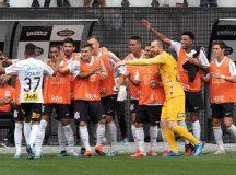 Corinthians vence Santos na Arena Corinthians pelo Paulistão